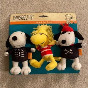 Peanuts Snoopy and woodstock pet toys